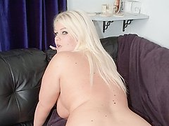 Stranger pounds a BBW blonde